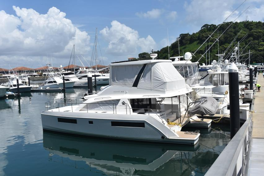 Leopard 43 Powercat Power Catamaran Mambo No 5 For Sale